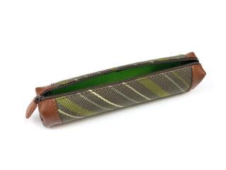Handgemaakte etui van groene stof en leer