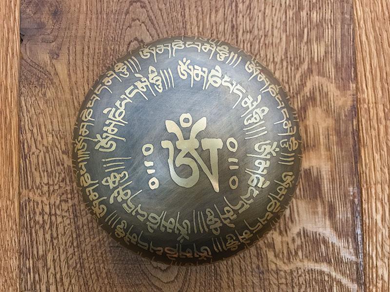 Om Mani Padme Hum klankschaal uit Nepal